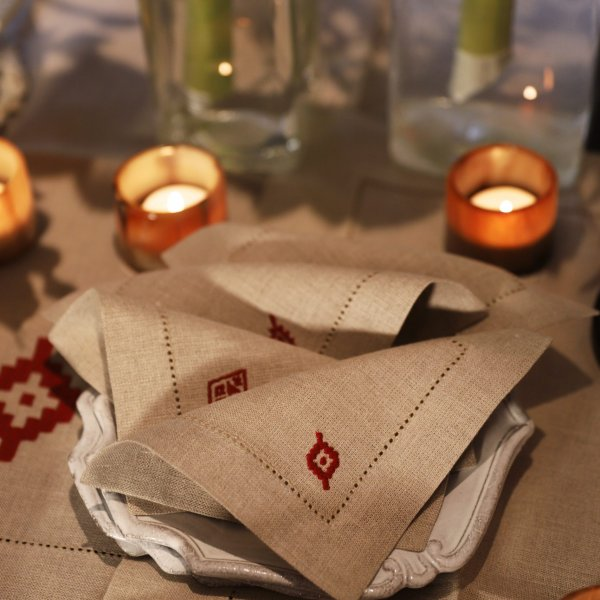 Private: Pampa Set of 8 Linen Cocktail Napkins – Red
