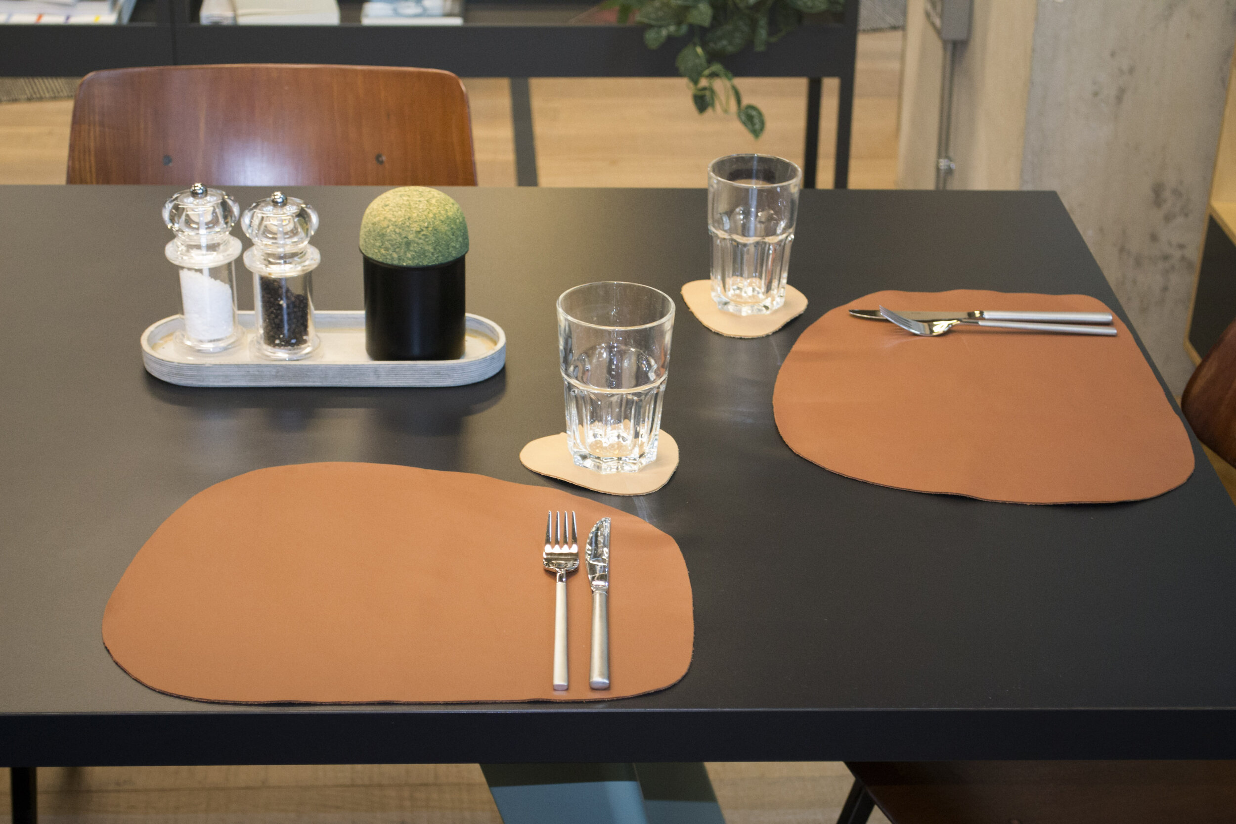 Pebble Leather Placemats – Beige